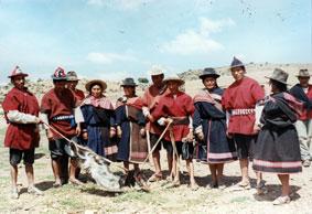 Ayllu Aransaya community members