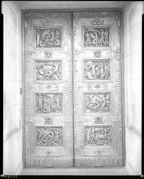 Bronze doors by sculptor Berthold Nebel
