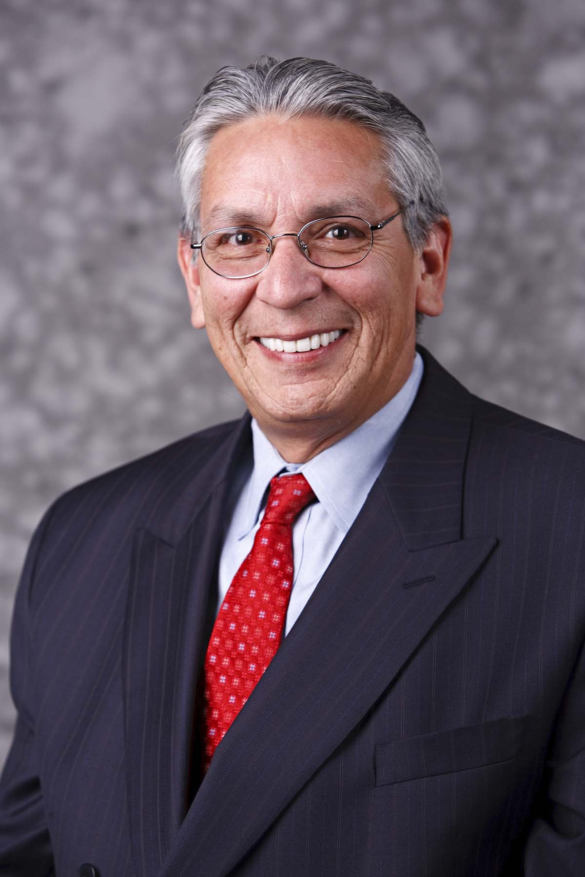 Kevin Gover photo by Ken Rahaim, Smithsonian Institution